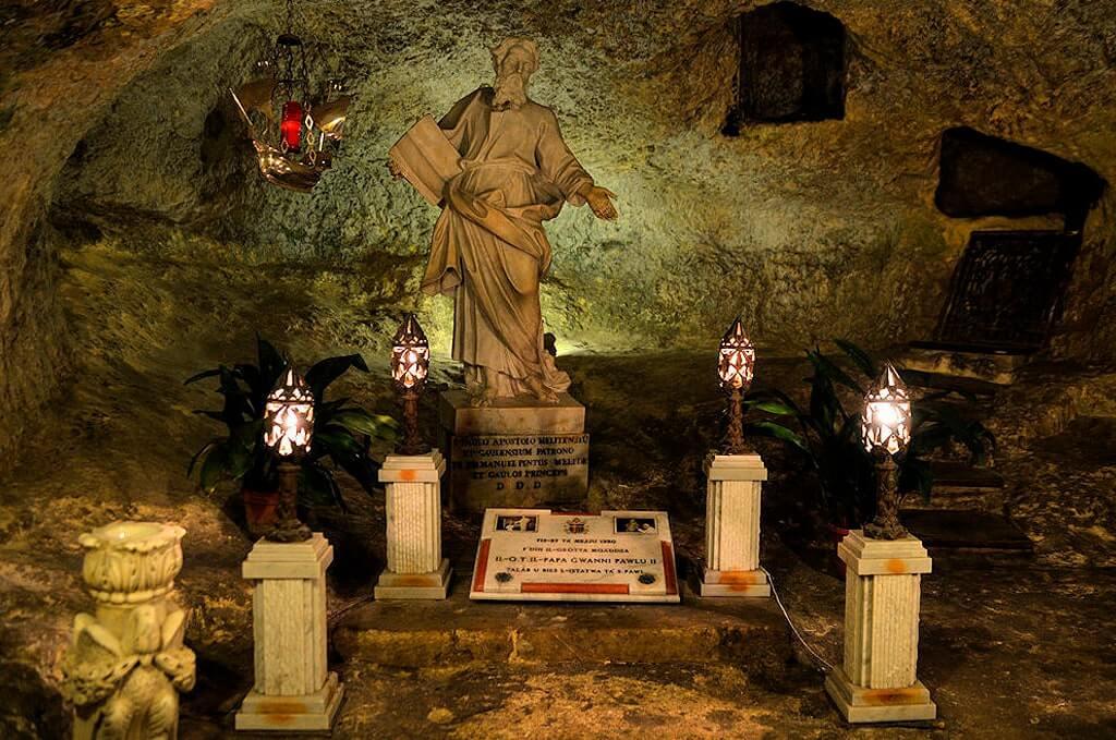 Катакомбы и грот Святого Павла