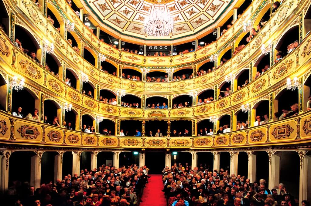 Театр Маноэль Мальта достопримечательности Валлетта